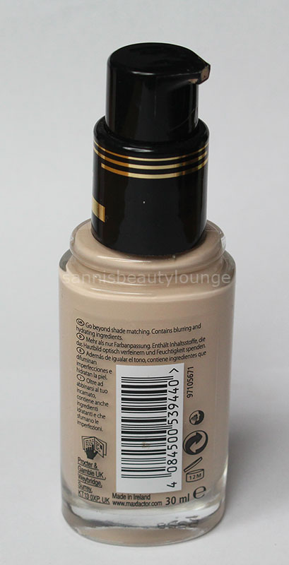 maxfactor_miracle_touch_foundation3
